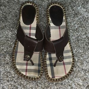 BURBERRY BROWN LEATHER WEDGED SANDALS